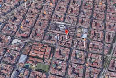 Building for sale to rehabilitate in the district of Eixample, a few steps from Hospital Clínic.
